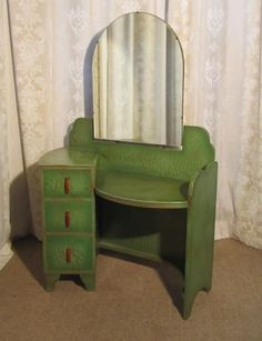 "Fantastic Pictures Art Deco Green & Gold Odeon Style Dressing Table Thoughts ""The Fantastic – what sounds like pomp and luxury is connected with extravagant lifesty Green Dressing Tables, Dressing Table Antique, Art Deco Dressing Table, Art Deco Furniture, Vintage Furniture, Furniture Design, Furniture Ideas, Green Furniture, Art Deco Vanity"