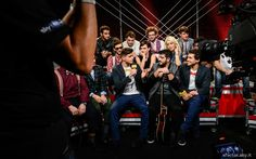 I #Twix #Reporters Federico Clapis e Leonardo Decarli con i ragazzi di X Factor Italia nel backstage del quarto live. #Outfit #ATPCO.  #XF8 #XFactor