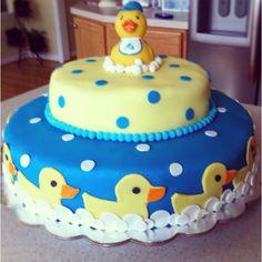 Rubber duck baby shower cake http://www.modern-baby-shower-ideas.com/duck-baby-shower.html