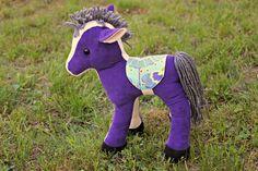 Sewing a vintage horse, pattern by Jill Hamor