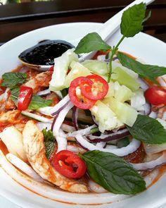 Finally perfected my grandmother's Asam Laksa recipe that takes around 45 minutes to make.  #asamlaksa #noodles #baba #babanyonya #peranakan #peranakanfood #malaysianfood #nyonyafood #nyonya #nyonyacuisine #nyonyacooking #nyonyarecipe #malaysia #malaysianfood #straitschinese #malacca #melaka #singapore #heritage #heritagefood #peranakanculture #babanyonyaperanakans Peranakan Food, Laksa Recipe, Nyonya Food, Malaysian Food, Cobb Salad, Noodles, Singapore, Recipes, Macaroni