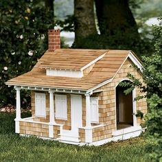 Top 10 Outrageous Luxury Doghouses