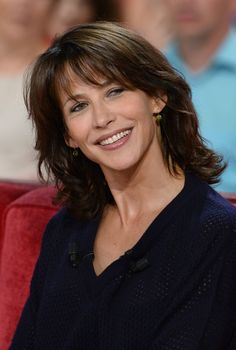 Sophie Marceau - 'Vivement Dimanche' French TV Show in Paris - Sept. Sophie Marceau Style, Outfits and Clothes. Beautiful Celebrities, Most Beautiful Women, Sophie Marceau Photos, Medium Hair Styles, Long Hair Styles, Jenifer Aniston, Bond Girls, French Beauty, French Actress