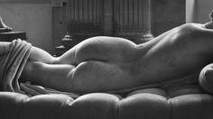 #back #sculpture #louvre #museum #paris  #b&w #photography