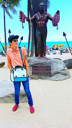 One of our customers sent us a picture of them in our 2D BAGS on the beach in Hawaii. Who else is jealous?! Shop now by clicking our profile link @2dbags. Free worldwide shipping. #2dbags #2dbag #cartoonbag #cartoonbags #purse #bag #fashion #fashionista #anime #kawaii #lookbook #ootd #ootn #lookoftheday #ravelife #cosplay #fashionblogger #style #edm #instafashion #comics #cartoon #drawing #quirky  #fblogger #fashion #accessories #instafashion