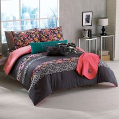 Roxy bedding