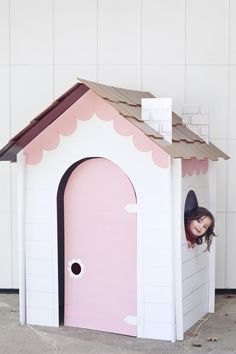 Make a collapsible DIY playhouse out of cardboard, foamboard, or masonite for hours of fun for the kids! Indoor Playhouse, Cardboard Playhouse, Cardboard Toys, Cardboard Houses For Kids, Cardboard Furniture, Box Houses, Play Houses, Diy For Kids, Crafts For Kids