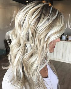 Really adore this! Balayage Ombré, Balayage Hair Blonde, Hair Color And Cut, Hair Color Dark, Love Hair, Great Hair, Curly Girls, Too Faced, Hair Looks