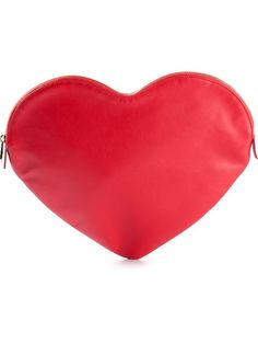 Shop Red Valentino heart-shaped clutch in Twist'n'Scout from the world's best independent boutiques at farfetch.com. Over 1000 designers from 300 boutiques in one website.
