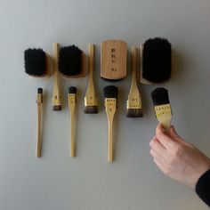 A few printmaking brushes for Moku Hanga. These brushes are used to mix ink and nori (rice paste) together and spread it out evenly on the wood block. Hand model is Carolyn Art Occidental, Printing Press, Book Making, Woodblock Print, Wood Blocks, Art Techniques, Printmaking, Brushes, Pottery