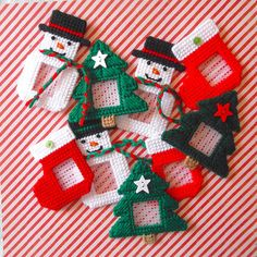 """Plastic Canvas: Christmas Frame Magnets  -- """"Ready, Set, Sew!"""" by Evie"""