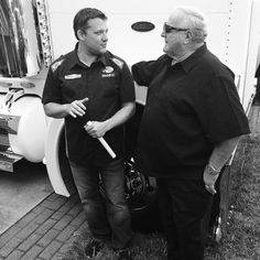#TonyStewart and his hero, A.J. Foyt, get to tellin' tall tales before the Daytona 500. #NASCAR