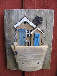 """Jag går runt på stränderna och samlar """"skräp"""", går sedan hem och gör tavlor av det jag hittar! I create wall hangings constructed out of driftwood, and things i find at the coastline in Nynashamn, Sweden!"""