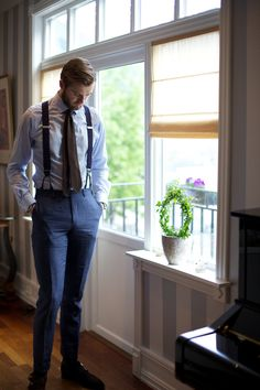 Suitsupply Linen trousers and braces, Eton shirt, Panta unlined tie.