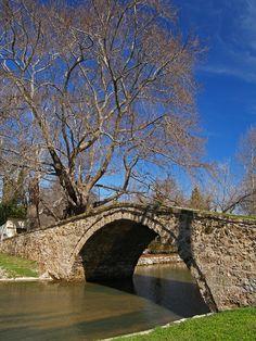 An old traditional bridge at the city of Edessa, Greece little bridge Heaven On Earth, Cyprus, Planet Earth, Bridges, Travel Destinations, Bucket, Deviantart, Traditional, City