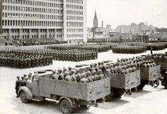 Námestie slobody r. 1953 :-( Bratislava, Historical Photos, Old Photos, Ww2, Weapons, Times, Retro, Inspiration, Prague