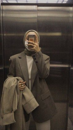 Modern Hijab Fashion, Muslim Women Fashion, Street Hijab Fashion, Hijab Fashion Inspiration, Casual Hijab Outfit, Hijab Chic, Cute Casual Outfits, Chic Outfits, Fashion Outfits