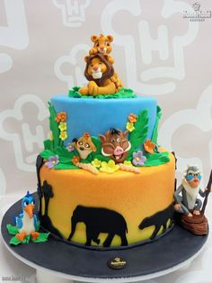 Lion Cakes, Lion King Cakes, New Orleans King Cake, Jungle Party Decorations, King Cake Baby, Lion King Party, Lion King Birthday, Lion King Baby Shower, Safari Cakes