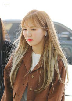 180421 Incheon Airport - © to Aqua Mood Seulgi, Park Sooyoung, Yoona, Extended Play, Kpop Girl Groups, Kpop Girls, Irene, Wendy Son, Yellow Carnations