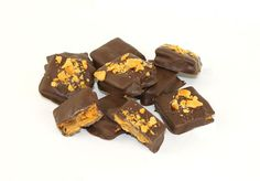 Homemade Butterfinger Candy Bars - 3 ingredients that will surprise you! Try them...you will love them! @Miss CandiQuik