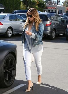 kimkardashianfashionstyle:    January 13, 2014 -Kim Kardashian arriving to a meeting in LA.