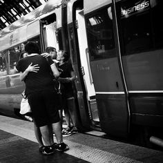 Kiss in the station