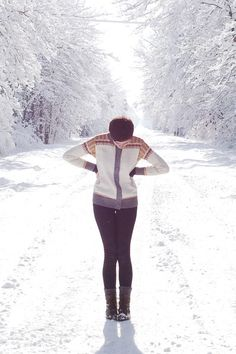 SELFIE IDEA: Take a Photo in the middle of a WINTER WONDERLAND + in a Chic Nordic-Style Outfit + Pose with Hands on Hips to create a body-slimming effect in the photo! PS- Don't forget those Winter boots or other cute Winter Shoes!