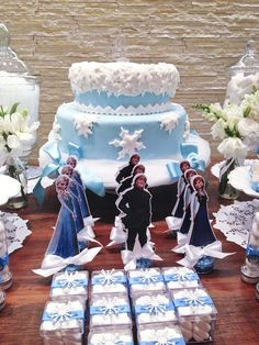 Frozen themed birthday party via Kara's Party Ideas KarasPartyIdeas.com Printables, favors, invitation, cake, cupcakes, favors, and more! #f...