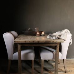Authentieke houten vierkante eettafel Palm Plant, Dining Table, Kitchen, Furniture, Home Decor, Style, Home, Kitchens, Swag