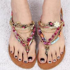 Bohemian Style Shoes Design Ideas For Girls: These shoes are beautiful, boho-inspired and have a great variety in them. Like you can choose the bohemian term in long boots, simple sandals, flat-sandals, high-heels and much much more. Moda Sneakers, Sneakers Fashion, Fashion Shoes, Style Fashion, Cute Shoes, Me Too Shoes, Low Heel Shoes, Heels