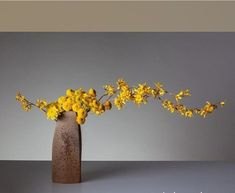 They call me mellow yellow Ikebana Arrangements, Ikebana Flower Arrangement, Floral Arrangements, My Flower, Flower Art, Flower Power, Arte Floral, Arreglos Ikebana, Ikebana Sogetsu
