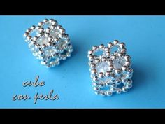 DIY Cubo con perla Cube with pearl - YouTube Jewelry Making Tutorials, Beading Tutorials, Beading Patterns, Bead Jewellery, Diy Jewelry, Beaded Jewelry, How To Make Rings, How To Make Beads, Seed Bead Earrings