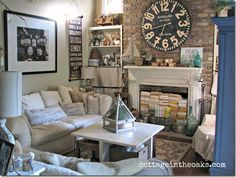 Cottage-Living-Room-would like a pic like this of grandkids