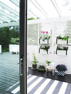 A: Vertical planting Garden Inspiration, Green Roof Garden, Vertical Planting, Outdoor Decor, Patio Inspiration, Outdoor Rooms, Diy Garden, Exterior