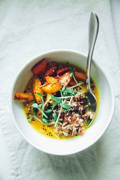 Roasted Carrots + Rice with Zingy Turmeric Broth - 7 Quick Dinners To Make This Week Soup Recipes, Whole Food Recipes, Vegetarian Recipes, Cooking Recipes, Healthy Recipes, Chicken Recipes, Whole Foods, Clean Eating, Healthy Eating