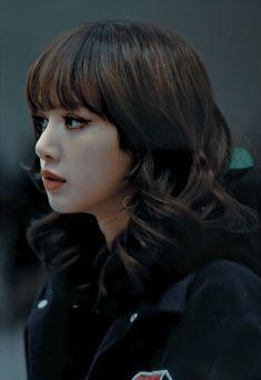 South Korean Girls, Korean Girl Groups, Jikook, Lisa Blackpink Wallpaper, Black Pink Kpop, Blackpink Photos, Blackpink Fashion, Blackpink Jisoo, Blackpink Jennie