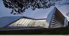 Eli & Edythe Broad Art Museum, East Lansing, Michigan   Zaha Hadid Architects © Paul Warchol