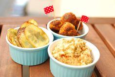 Bei Cookies war auch das Essen golden! Hier seht ihr Vleischbällchen, Chips con perejil und zitroniges Fenchel-Tomaten-Pesto. *