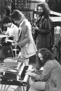 Grateful Dead, Kezar Stadium, San Francisco, CA. With Ned Lagin on keyboards. FM broadcast KIOI-San Francisco. Students Need Athletics Culture & Kicks (SNACK) benefit. March 23, 1975