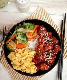Spicy Chicken Rice Bowl Chicken Rice Bowls, Cobb Salad, Foodies, Spicy, Cooking, Baking Center, Koken, Cook, Cuisine