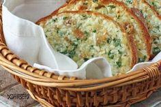 Máte v komore starší chlebík, ktorý potrebujete zužitkovať? Prinášame vám 7 chutných inšpirácií, ako vyčarovať zo staršieho chlebíka vynikajúcu večeru pre celú rodinu.