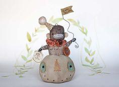 Fil À Sophie whimsical spun cotton primitive folk art pumpkin doll miniature for your harvest fall decoration! Nostalgische Wattefigur Zirkus Affe im Kürbis von FilASophie Herbst Dekoration