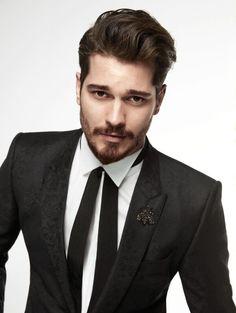 Çağatay Ulusoy para GQ Turquía Enero 2016