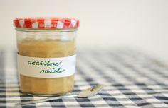 Arašídové máslo Hot Sauce Bottles, Creme, Food And Drink
