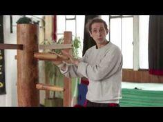 Kung-fu : Frapper en Wing Chun, Mains collantes & Mannequin de bois - YouTube