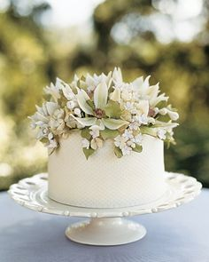 floral top single tier cake