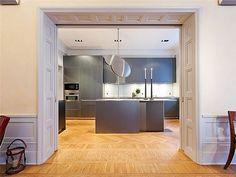 316 square apartment5 great doorway
