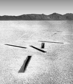 1968 image of Heizer's Dissipate