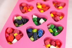 Heart-shaped crayons as classroom gifts instead of candy Valentine Day Crafts, Be My Valentine, Holiday Crafts, Holiday Fun, Spring Crafts, Crayon Molds, Making Crayons, Broken Crayons, Melted Crayons