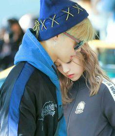 Bts Twice, Kpop Couples, Myoui Mina, Blackpink And Bts, Big Family, Jimin, Park, Boys, Cute Relationships